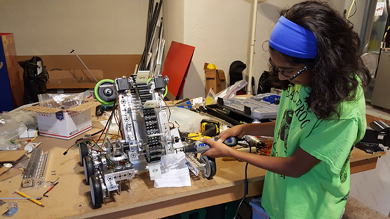 Robotics-team-Black-Frogs-Ansha_760.png